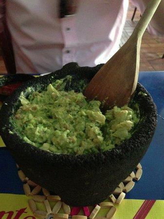 Caliente Cab: Fresh and delicious guacamole