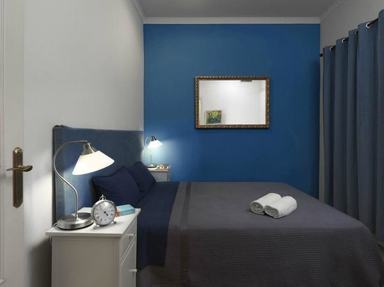 BarcelonaBB: Blue Room
