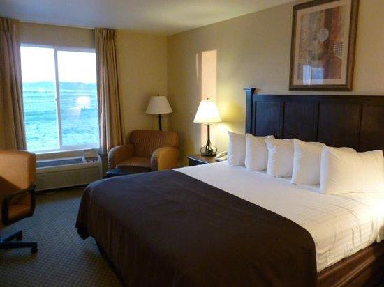 Best Western Plus Frontier Inn: Nice large room