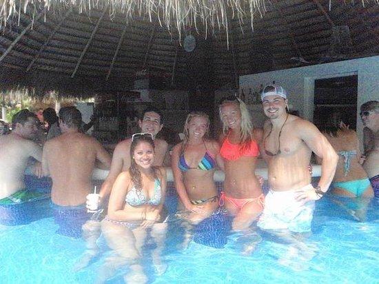 Paradisus Punta Cana: Walk up swim bar with some friend we met