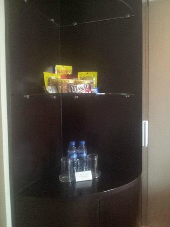 Alpa City Suites: Room