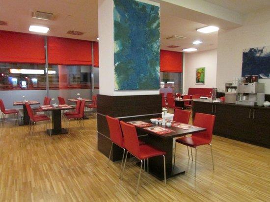 BEST WESTERN PLUS Amedia Hotel Graz: Recepção