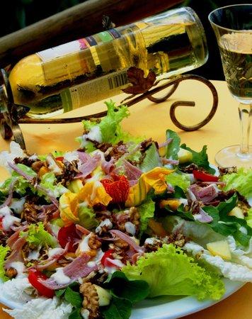 Pousada das Andorinhas: salada mediterranea