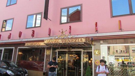 Hotel Venezia: frente