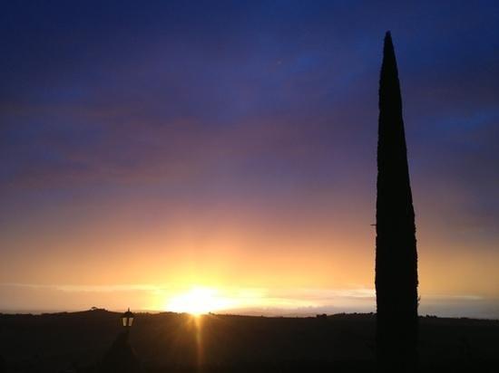 A Borgo Tre Rose abbiamo potuto ammirare il tramonto piu' bello della nostra vita!