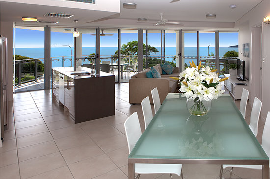 Vision Cairns Esplanade: Sub Penthouse Lounge View