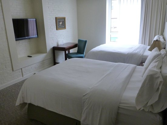 Mark Spencer Hotel: Executive Double Queen Suite