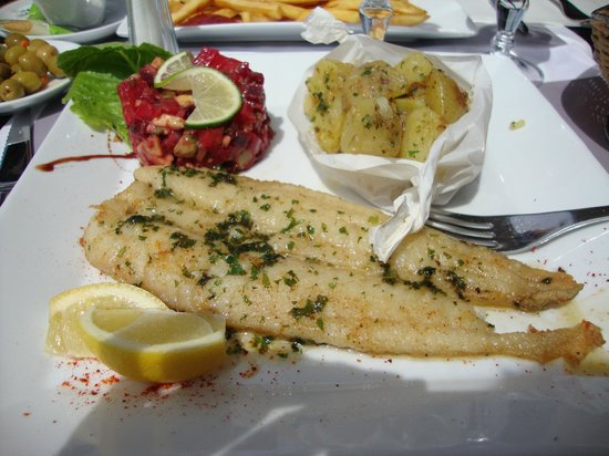Caffe Roma: The fish was amazing and so were the side dishes!
