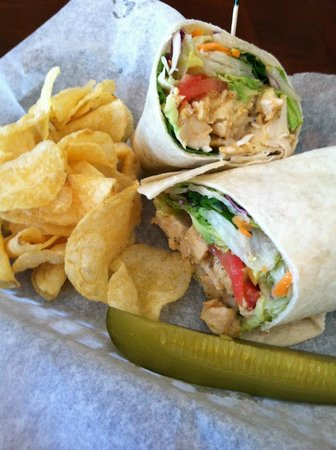 Elements Bakery & Cafe: Love the Wraps!
