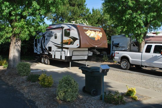 Mark J RV Park: Spaces Are Easy To Back In To, Due To The