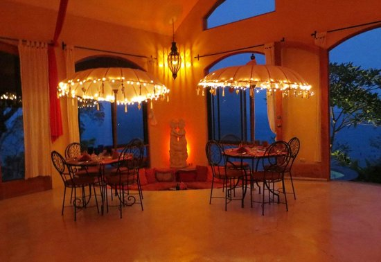 Anamaya Resort & Retreat Center: dining area