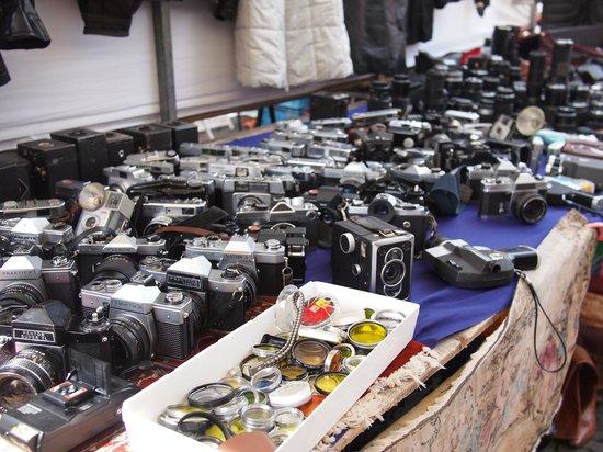 Waterlooplein Market: Preloved cameras