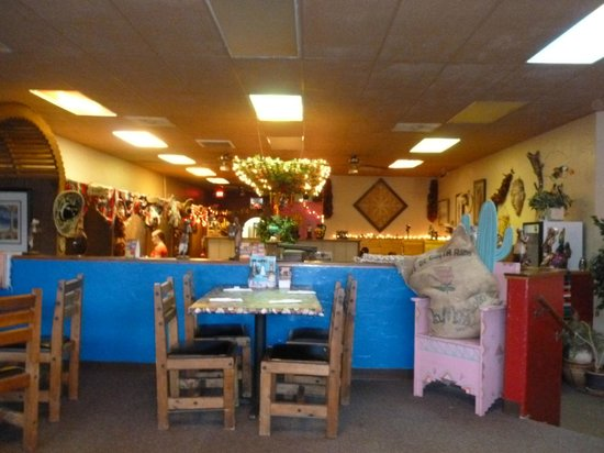 Zapata's Mexican Restaurant : the dining room