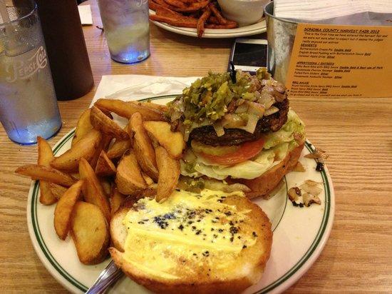Hamburger Ranch & Bar-B-Que: Massive Burger