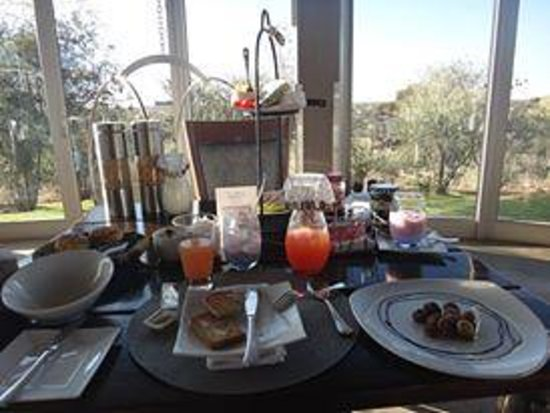 N/a'an ku se Lodge and Wildlife Sanctuary: Buffet breakfast