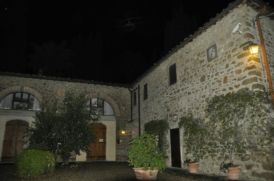 Vignamaggio : Outside view of our building