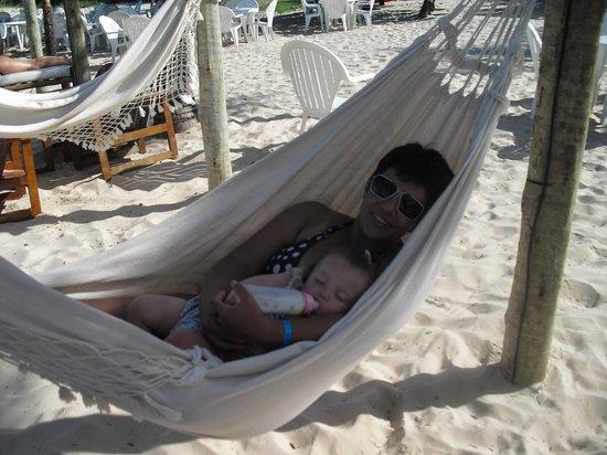 Resort La Torre: hamacas en la playa