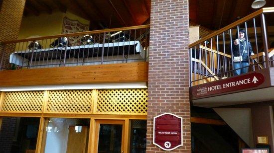 Texas Toast Eatery: Texas Eatery is on the second floor...