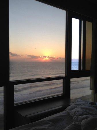 Ocean Sands Resort : Sunrise every morning