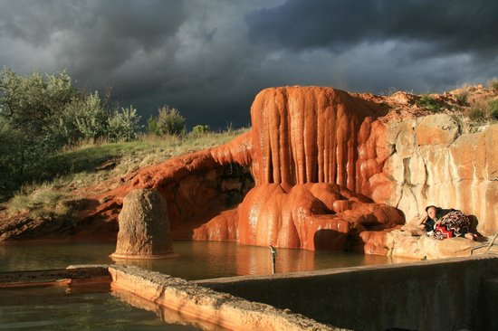 Mystic hot Springs: Big pool, big mineral deposit.