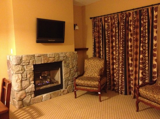 1862 David Walley's Hot Springs Resort and Spa: livingroom in newer I bedroom units
