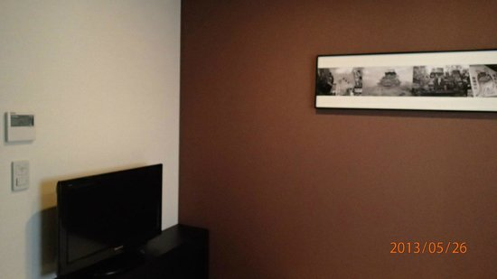 Best Western Hotel Fino Osaka Shinsaibashi: TV which was not switched on throughout trip