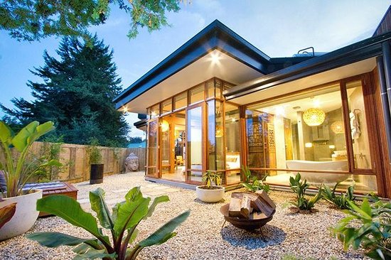 Sticky rice villas stirling adelaide hills australia for Courtyard home designs adelaide