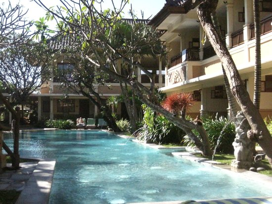 Mutiara Bali Boutique Resort & Villas: Pool area