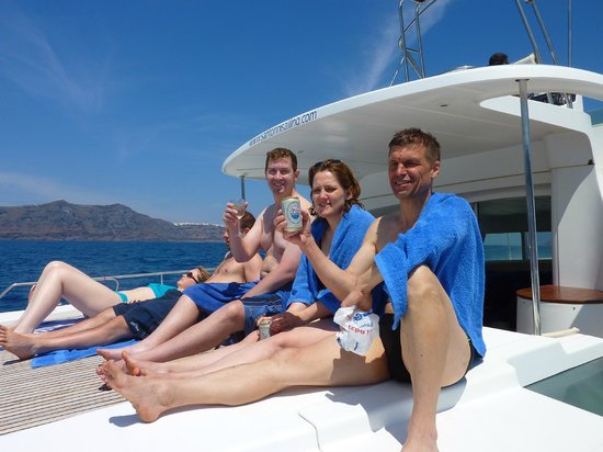 Santorini Sailing: Open bar for beer, wine and soft drinks makes for happy sailors.
