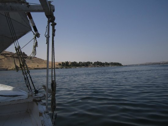 Nile Hotel Aswan : view from felucca on nile in aswan