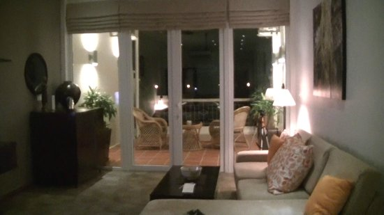 Riverside Suites: 7