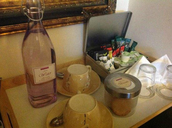 Arden House: coffee, tea and hand made buscuits