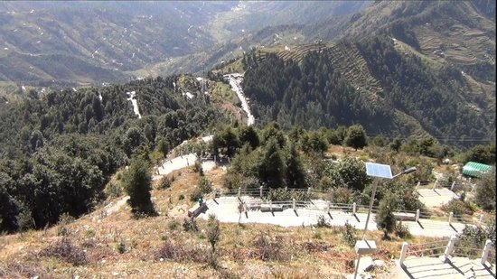 Surkanda Devi: View of the Path for Trekking to the Temple
