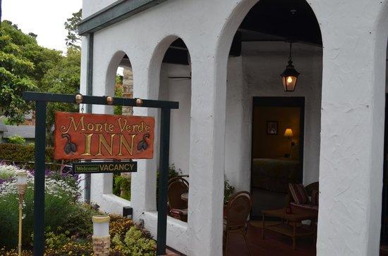 Monte Verde Inn: View from street