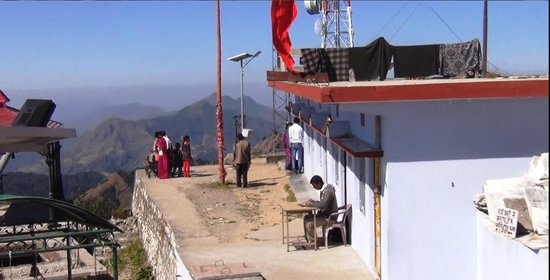 Dhanaulti, Indien: The Temple