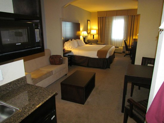 Holiday Inn Express Hotel & Suites Beaumont-Parkdale: My room