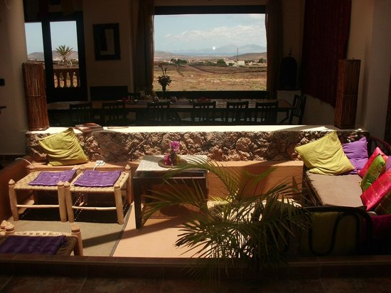 Azulfit Yoga and Pilates Retreat: Lounge/Dining area
