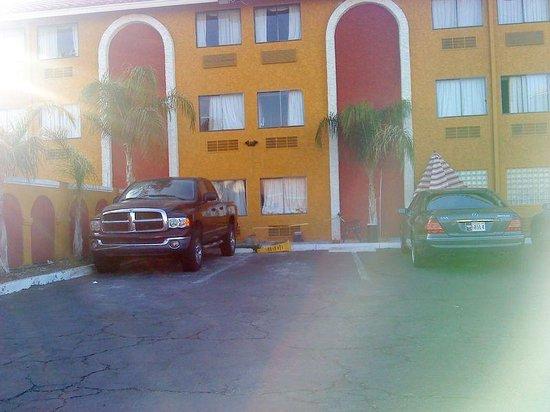 Claremont Hotel Las Vegas: Extérieur