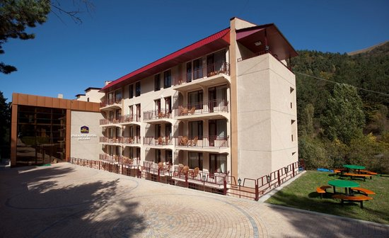 BEST WESTERN Paradise Dilijan Hotel : the beautiful exterior of the Best Western Paradise hotel in Dilijan