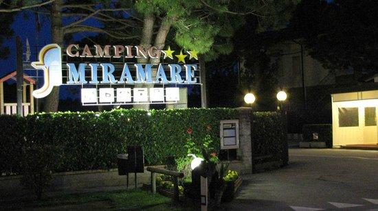 Miramare Camping Village: vue nocturne