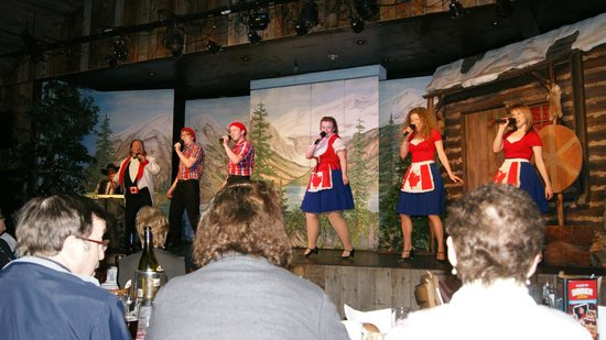 Oh Canada Eh? Dinner Show: the highly entertaining cast