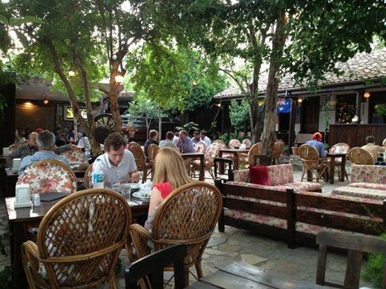 Boomerang Garden Restaurant Ephesus: Ephesus Boomerang Garden Restaurant
