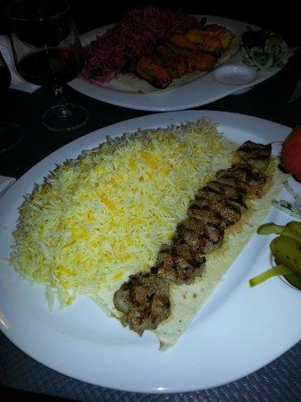 Mazeh : filet d'agneau et riz safran + riz griottes coquelet safran