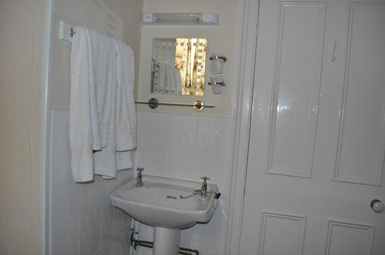 The Netley: Sink in the bedroom