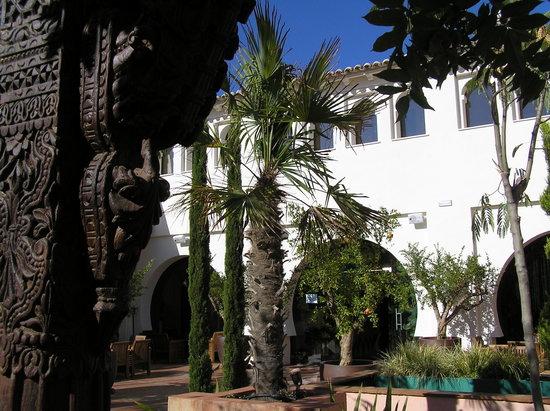 Casa Rural La Puerta Mora: Jardin