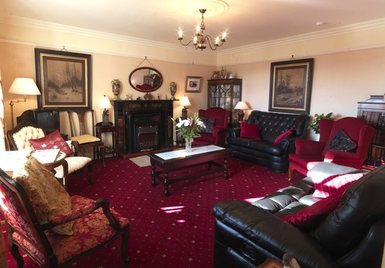 Murphy's Farmhouse: sitting room