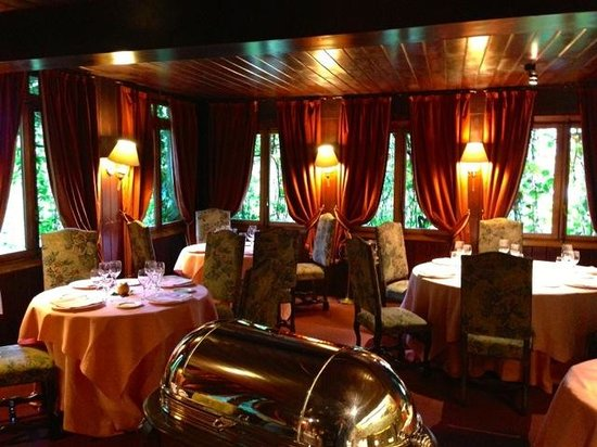 Hotel Etxeberri: Romantic restaurant