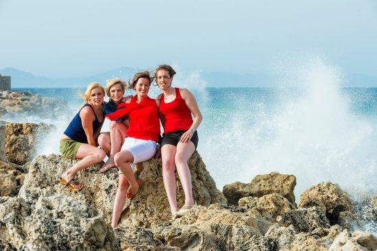 Amathus Beach Hotel Rhodes: Genieten van de golven in de haven