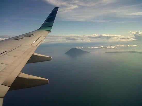 Kalinaun Resort - Lembeh & Bangka: Aerial view of Bunaken Marine Park