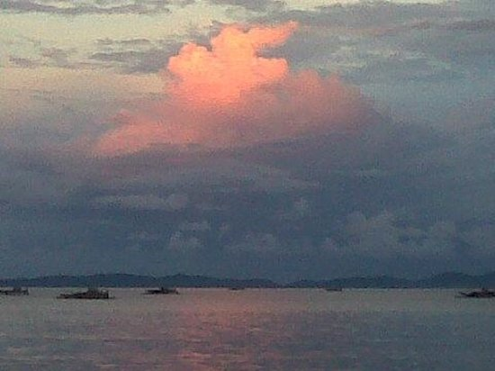 Kalinaun Resort - Lembeh & Bangka: Sunset